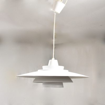 Suspension scandinave blanche