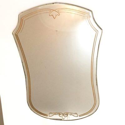 Miroir doré décoré