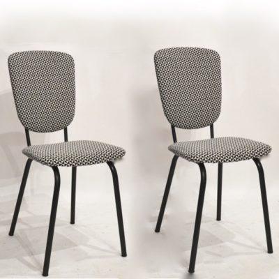 Paire de chaises années 60 retapissées