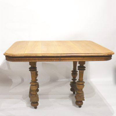 Table à manger Henri II en chêne