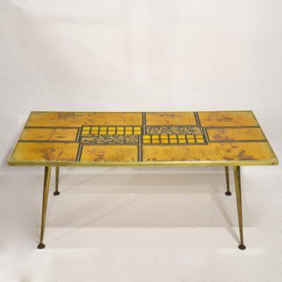Table basse années 60 dorée