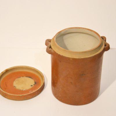 Gros pot en grès avec couvercle