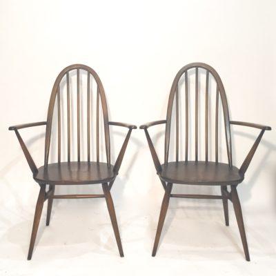 Paire de chaises Ercol avec accoudoirs
