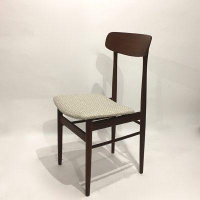Série de 4 chaises scandinaves retapissées