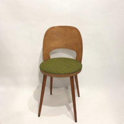 Chaise tonneau retapissée