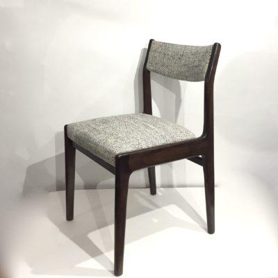 Série de 4 chaises en palissandre retapissées