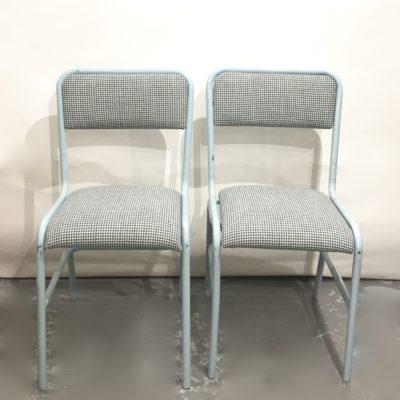 Paires de chaises bleu ciel