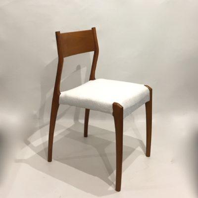 Chaise italienne retapissée