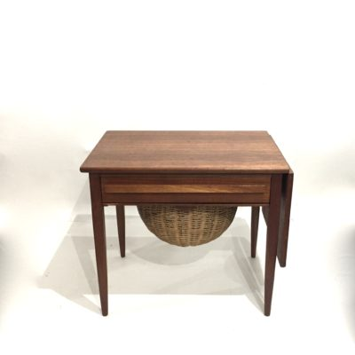 Table basse travailleuse danoise