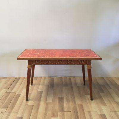 Table à manger céramique orange